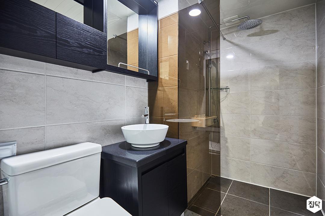 욕실,그레이,블랙,유리파티션,수납장,세면대,모던