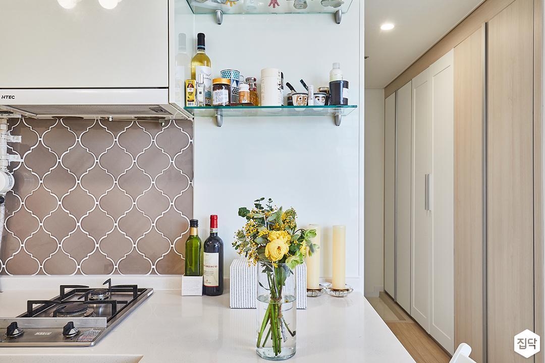 주방,화이트,심플,선반,그레이,벽타일