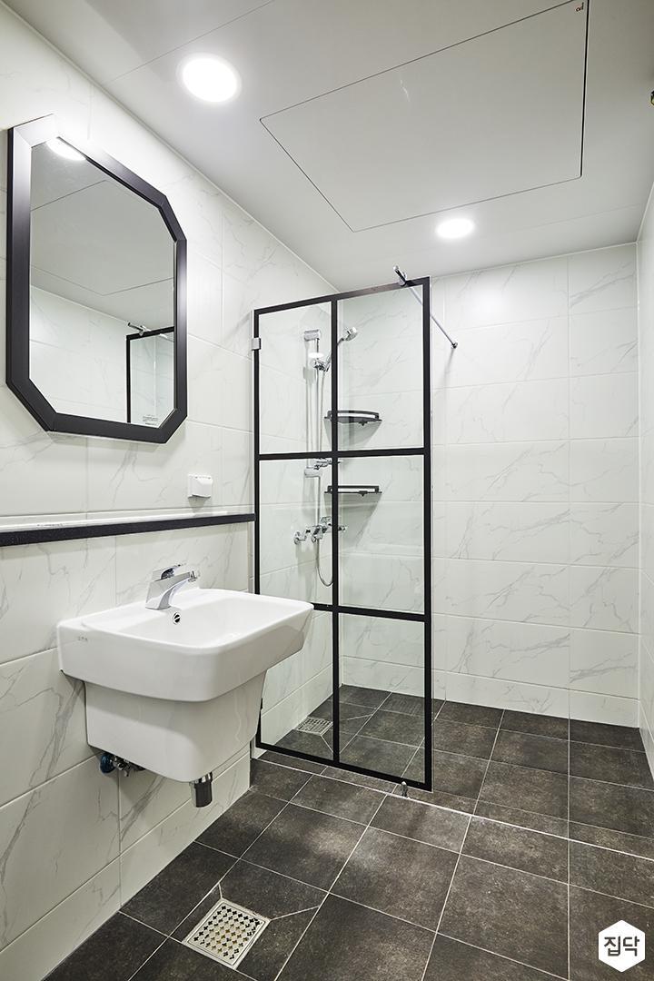 욕실,다크그레이,비앙코카라라패턴,모던,젠다이,화이트,세면대,양변기,유리파티션