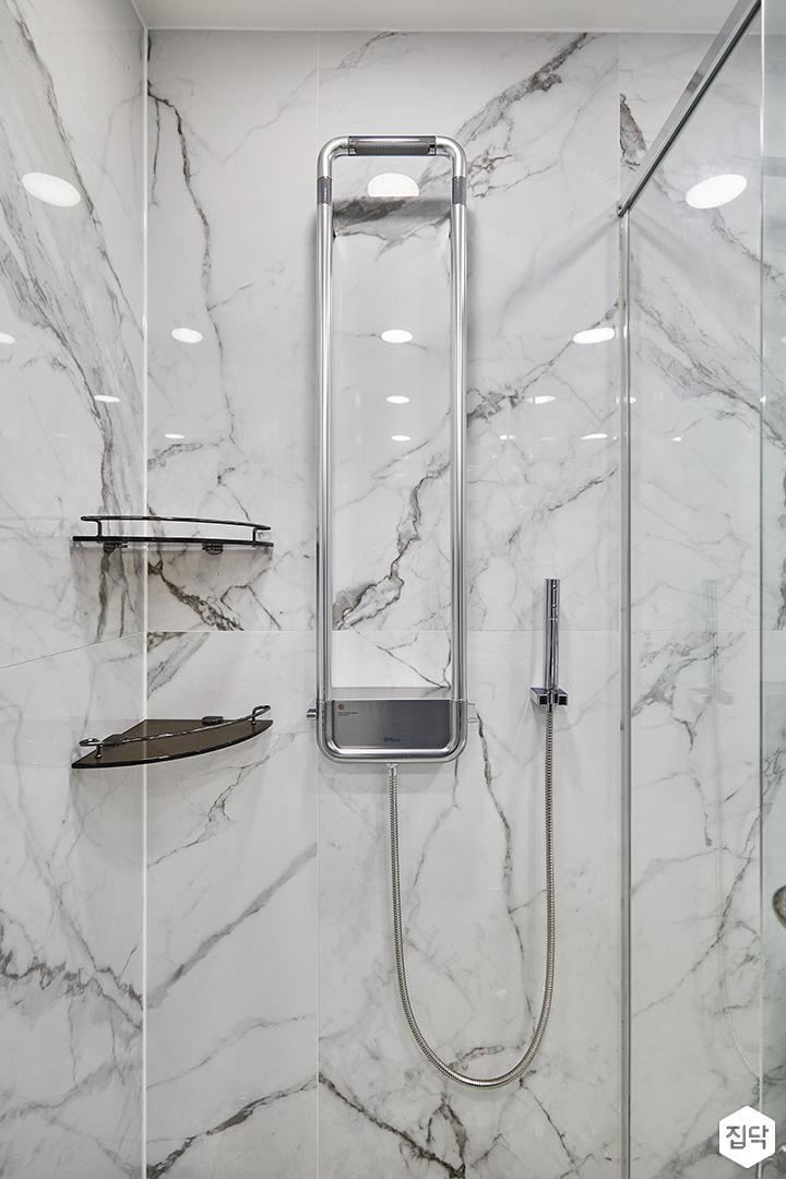 비앙코카라라패턴,화이트,욕실,샤워부스,럭셔리,코너선반
