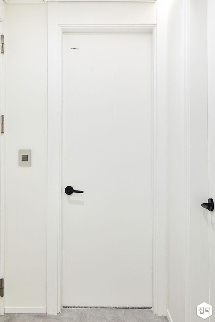 화이트,문,인테리어필름