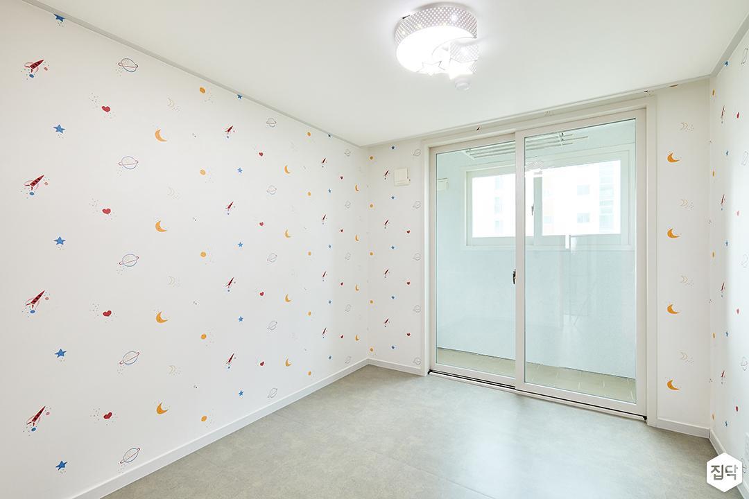 포인트벽지,화이트,심플,아이방,샤워