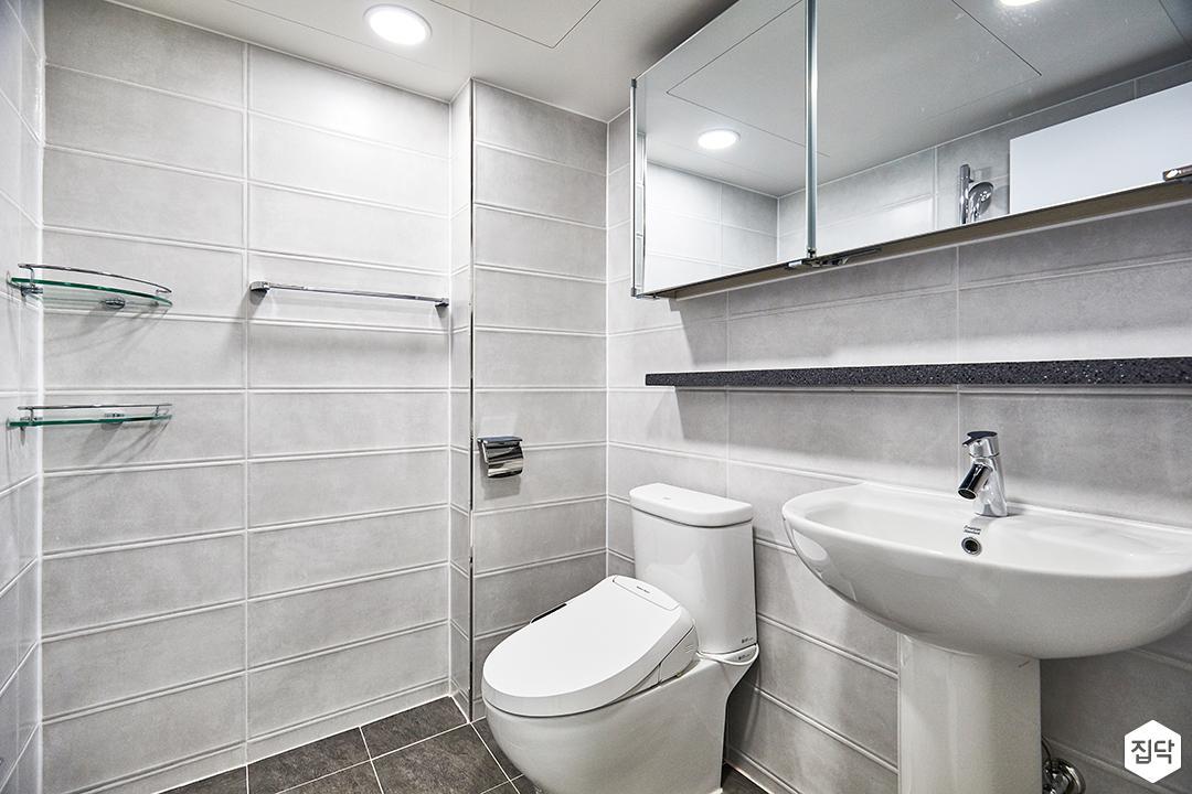 욕실,그레이,모던,코너선반,대리석선반,슬라이딩거울장,세면대,양변기