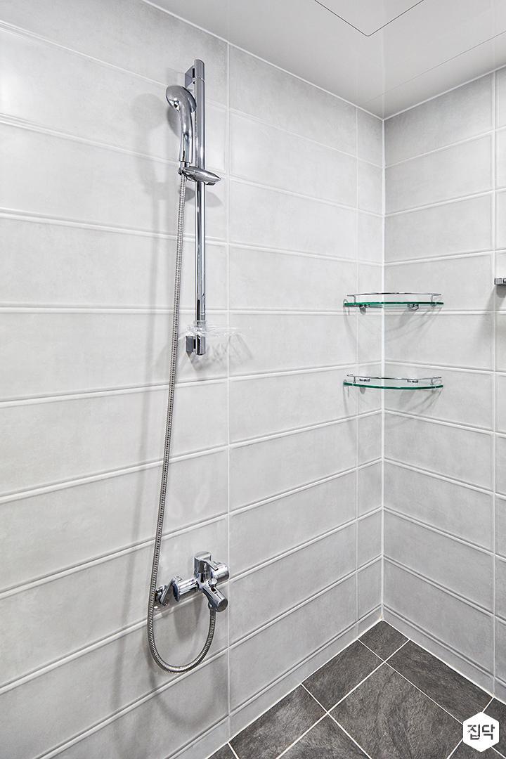 욕실,그레이,모던,코너선반,샤워기,욕실타일