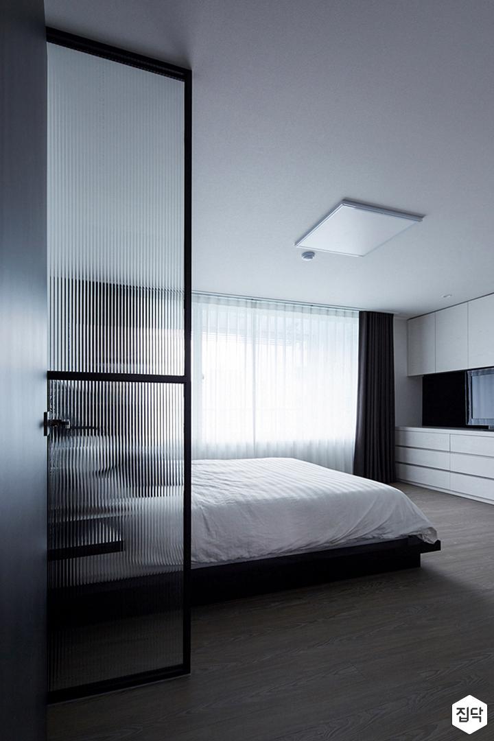 유리파티션,방,led조명,침대