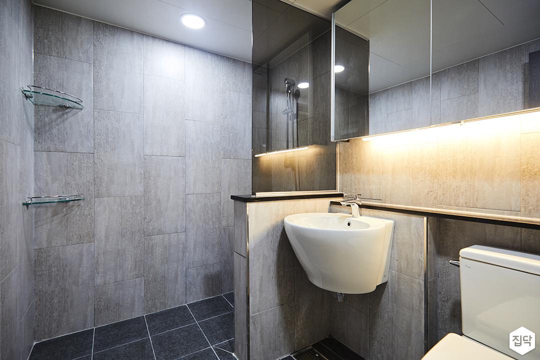 욕실,그레이,모던,세면대,가벽,유리파티션,간접조명,코너선반