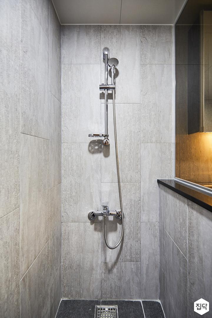 욕실,그레이,모던,가벽,유리파티션,샤워부스