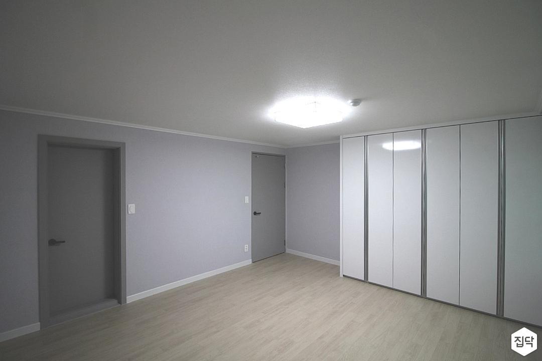 그레이,심플,우드마루,붙박이장,방