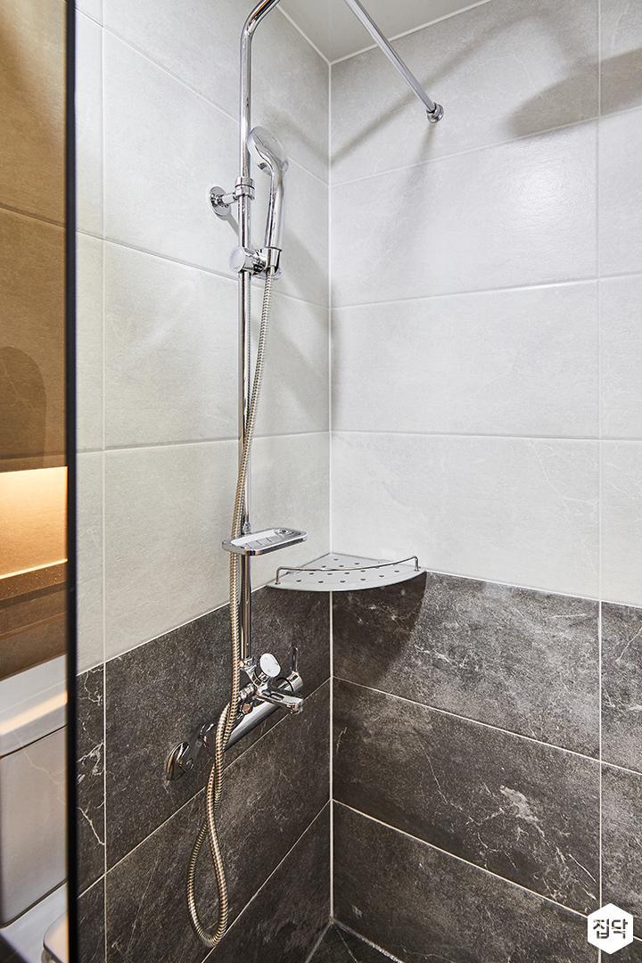 화이트,심플,모던,샤워기,수납선반,샤워룸