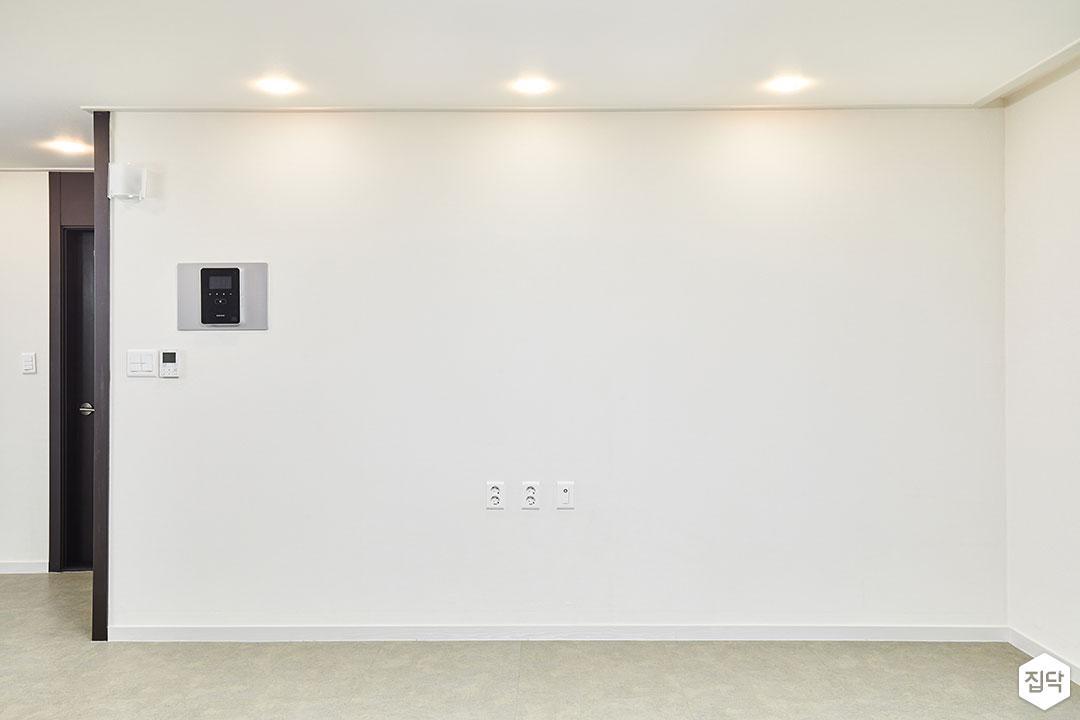 벽,거실,화이트,심플,다운라이트조명