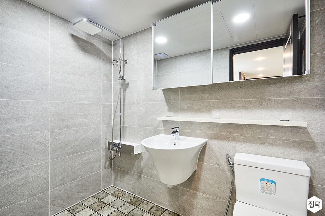 욕실,그레이,모던,슬라이딩거울장,무지주선반,해바라기샤워기,세면대