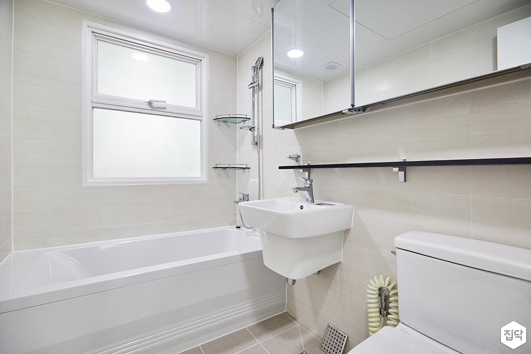 화이트,심플,모던,세면대,슬라이딩거울,샤워기,욕조,화장실