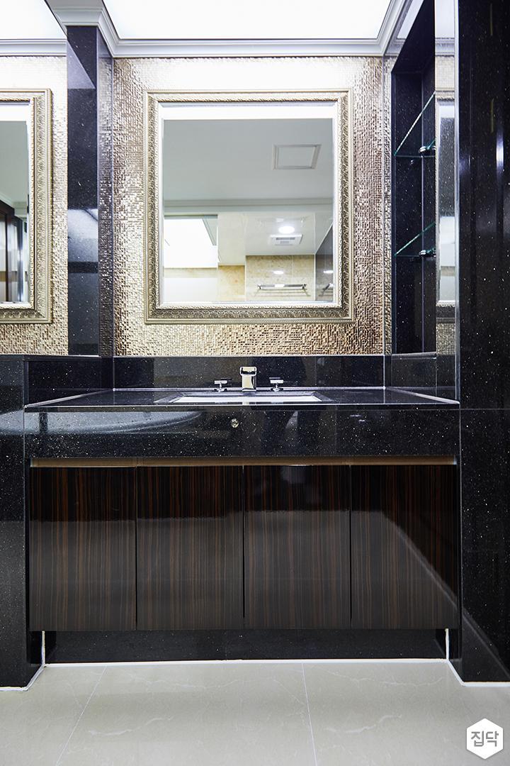 브라운,럭셔리,클래식,거울,수납장,세면대,화장실
