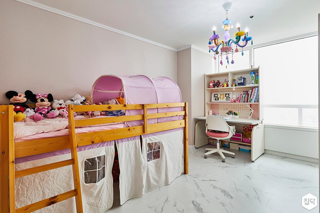 작은방,모던,심플,클래식,비앙코카라라