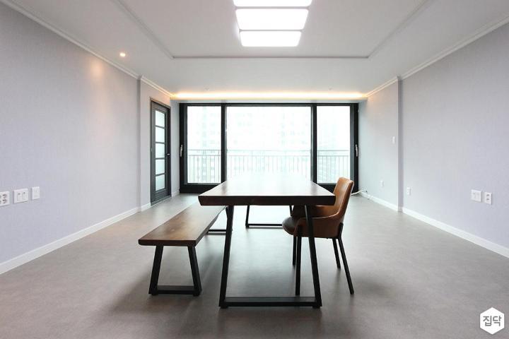 거실,그레이,식탁,간접조명,다운라이트조명,우물천장,LED조명,모던