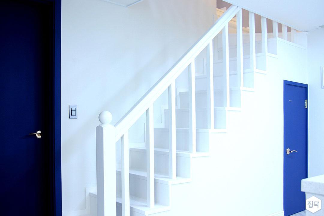 화이트,계단,난간