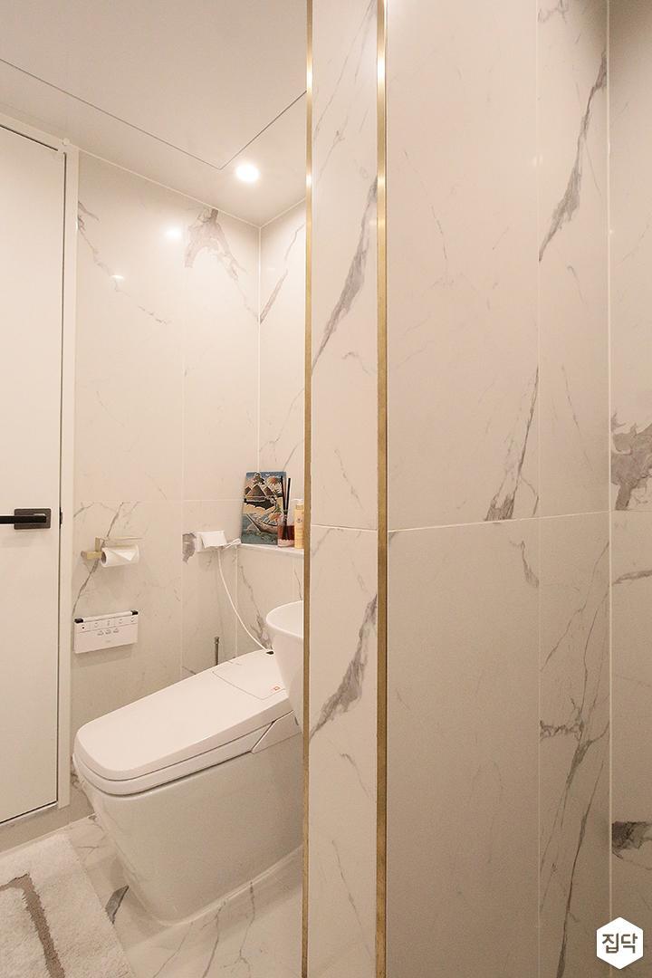 욕실,비앙코카라라패턴,화이트,럭셔리,가벽,다운라이트조명