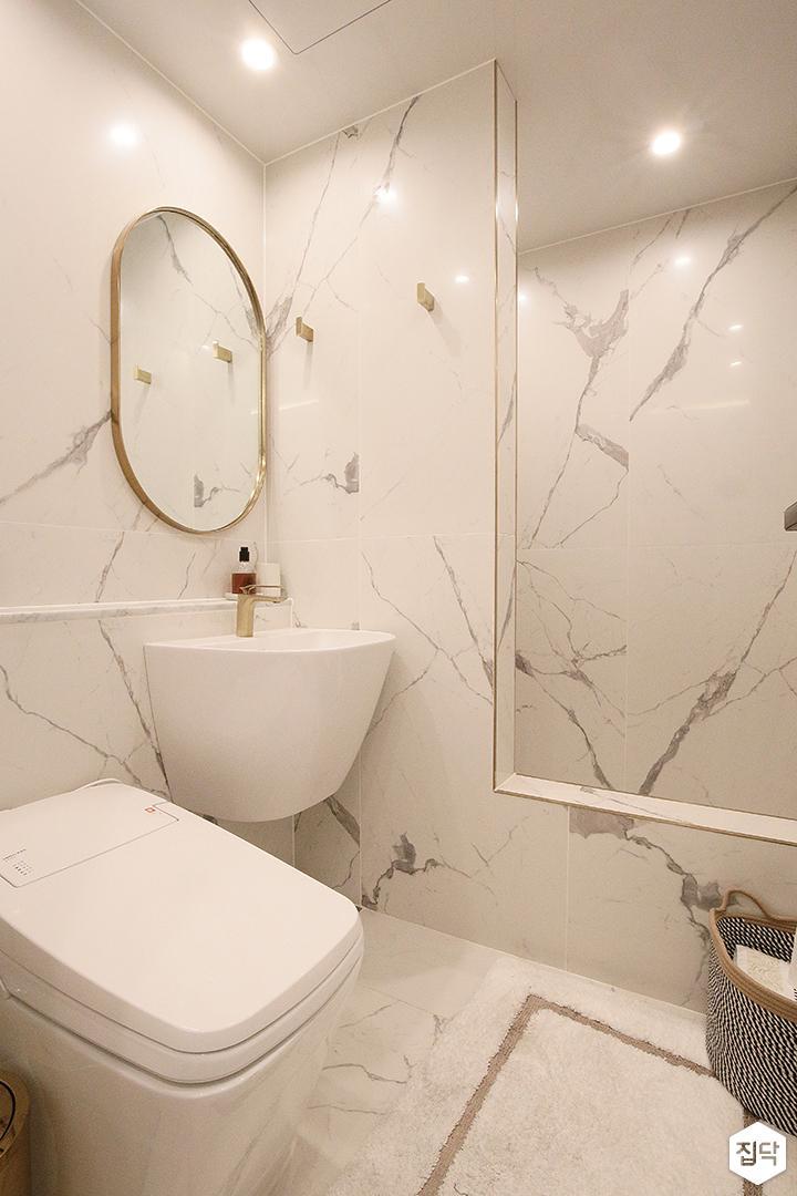 욕실,비앙코카라라패턴,화이트,럭셔리,가벽,다운라이트조명,세면대,거울