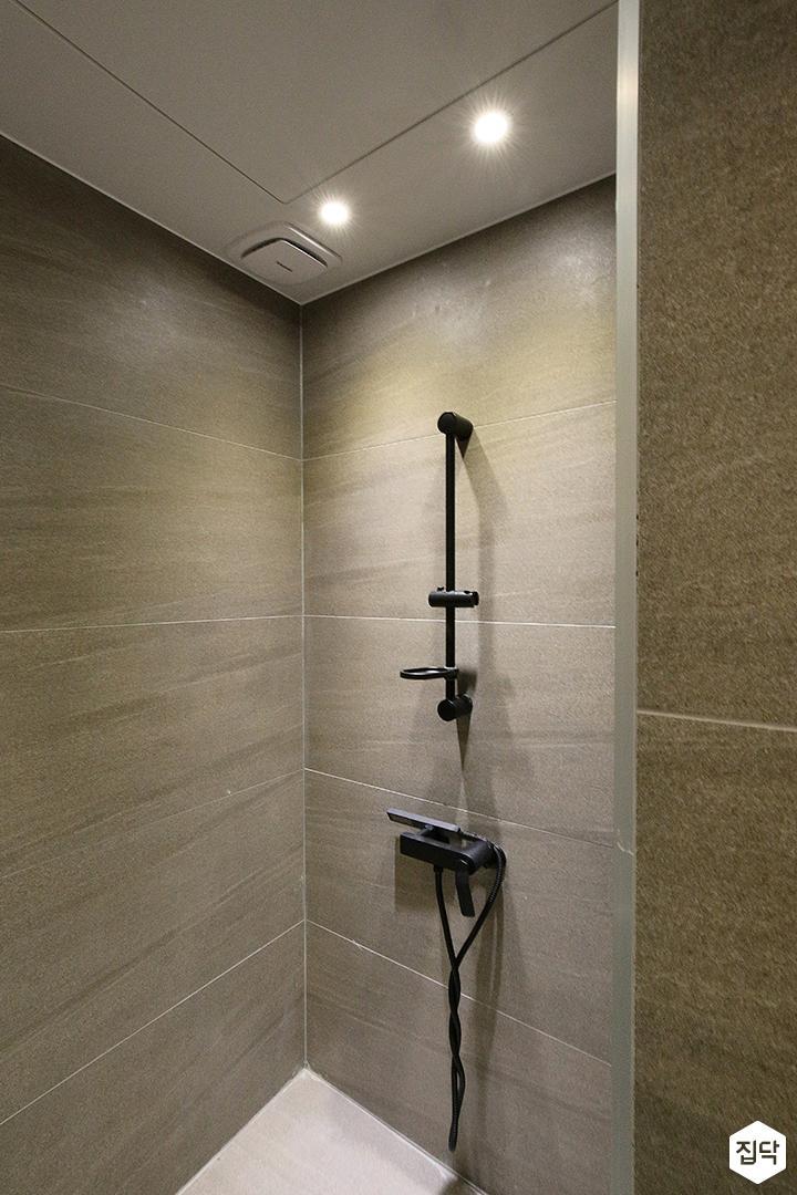 욕실,그레이,모던,가벽,옥타곤패턴,샤워부스
