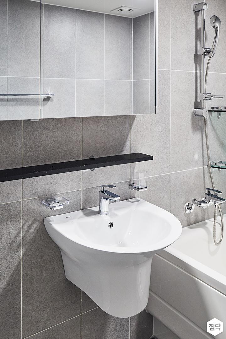 욕실,모던,심플,화이트,그레이,슬라이딩거울장,무지주선반,세면대