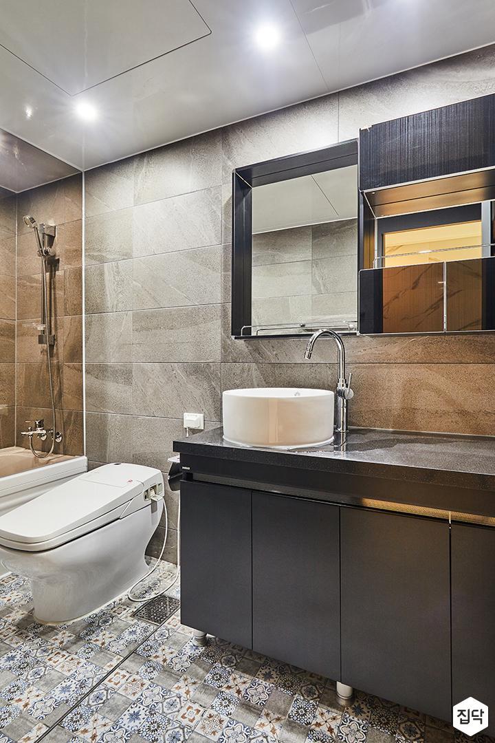베이지,심플,모던,다운라이트조명,슬라이딩거울,세면대,욕실