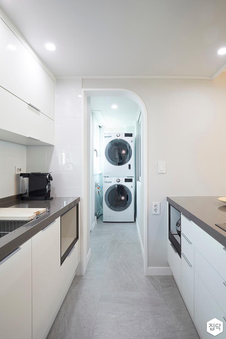 발코니,심플,화이트,세탁기,다운라이트조명