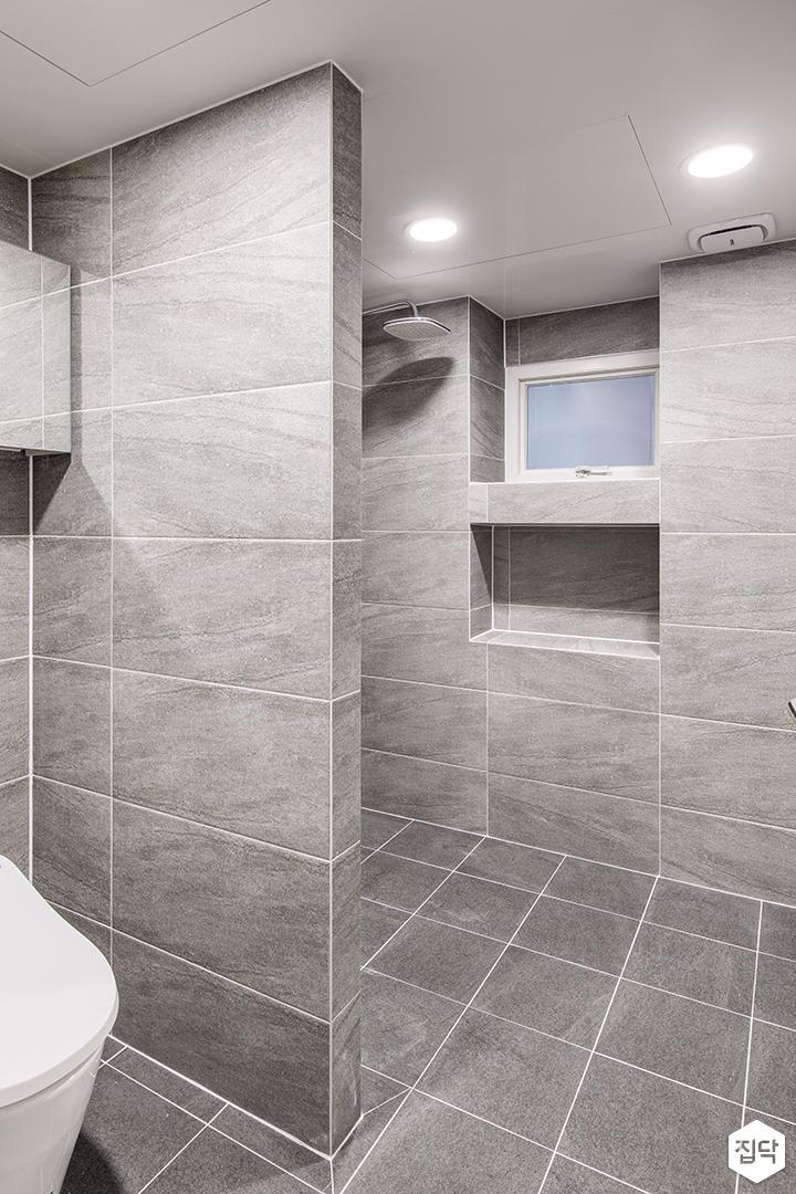 욕실,그레이,모던,가벽,다운라이트조명