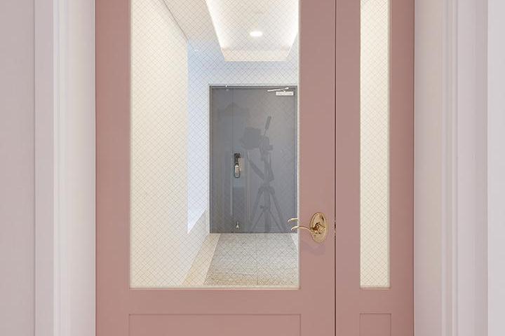 현관,모던,비대칭여닫이중문,핑크