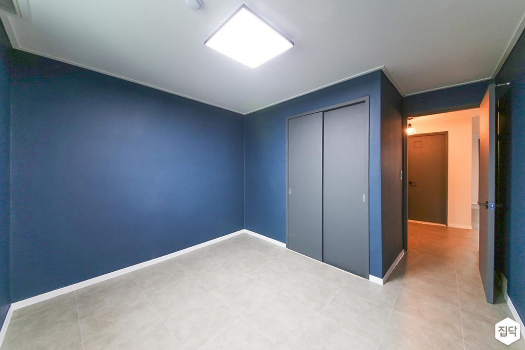 방,심플,블루,슬라이딩붙박이장,led조명