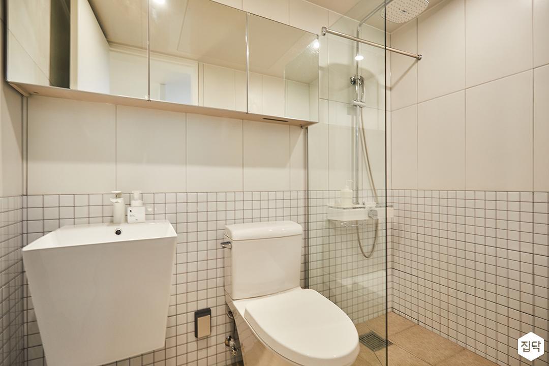 욕실,심플,화이트,파티션,거울장,해바라기샤워기