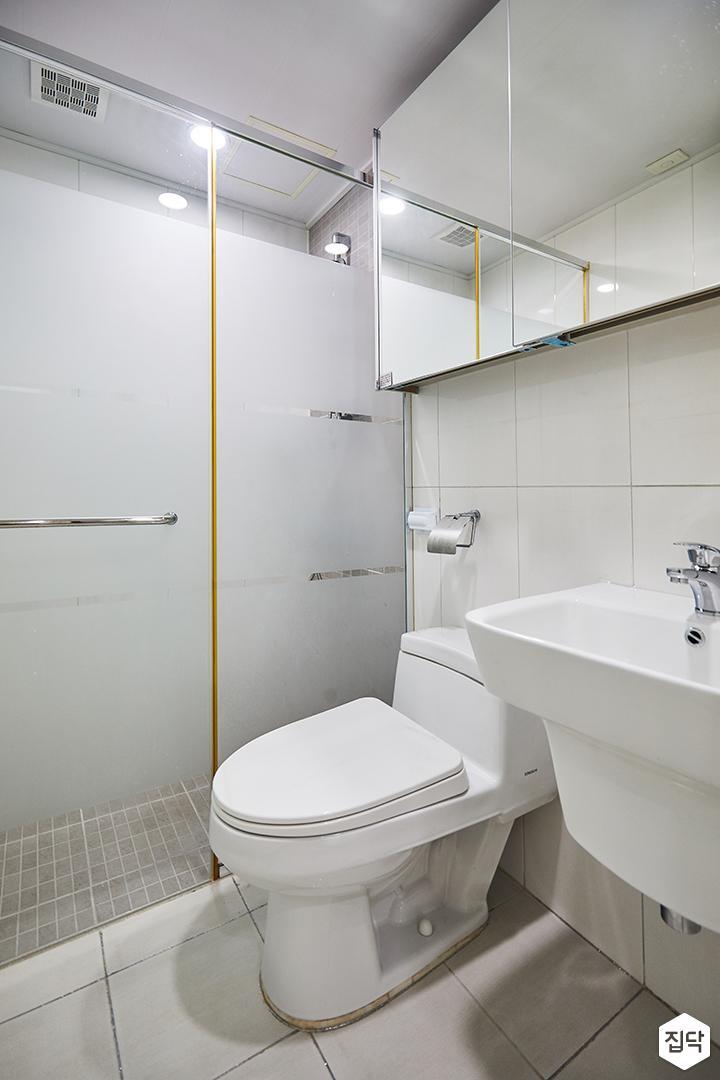 욕실,심플,화이트,슬라이딩거울장,파티션,골드