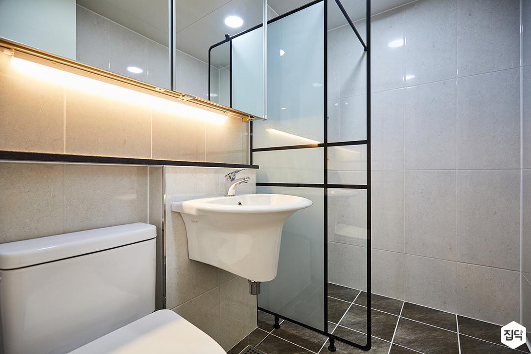 욕실,심플,그레이,슬라이딩거울장,간접조명,파티션,젠다이