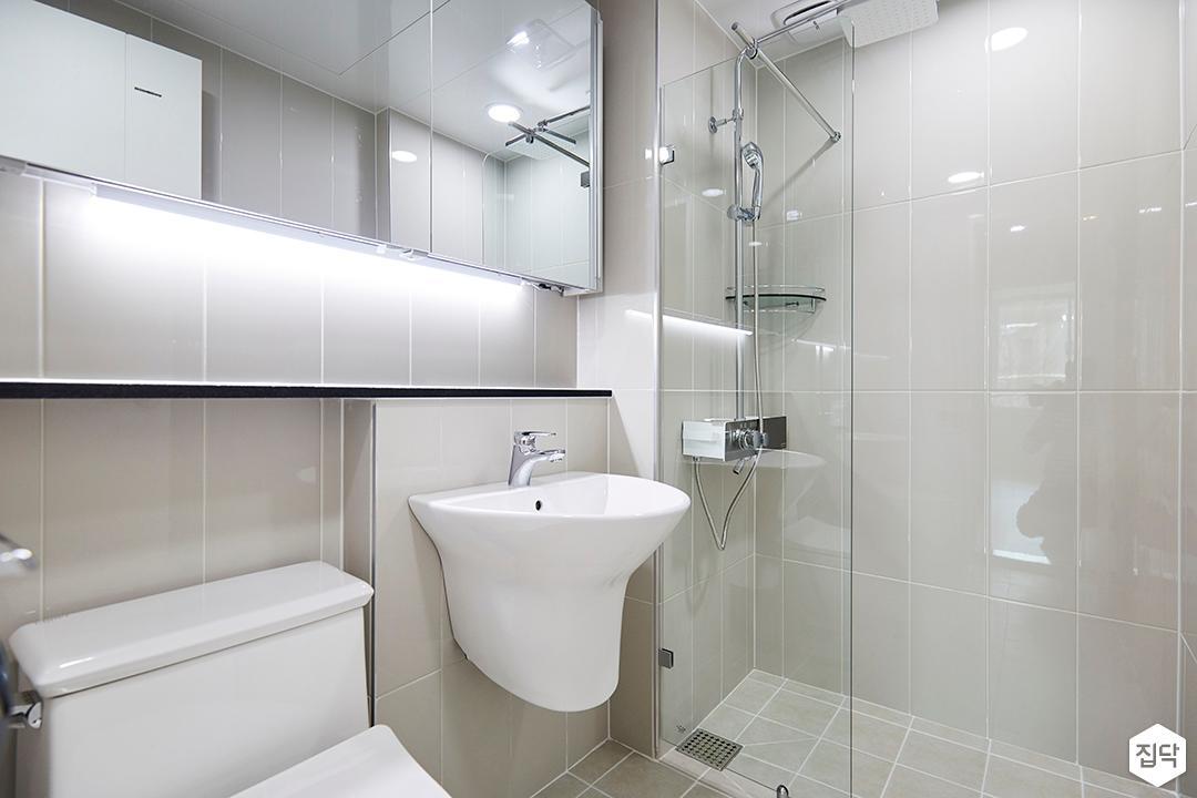 욕실,심플,그레이,슬라이딩거울장,간접조명,젠다이,파티션,해바라기샤워기