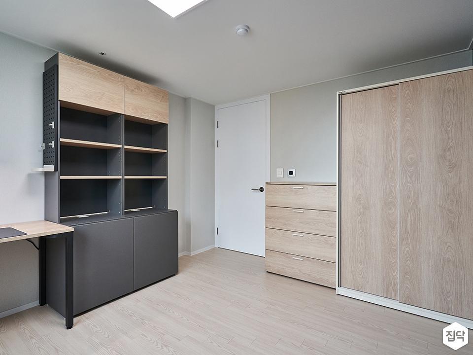 아이방,침실,책상,책장,수납장