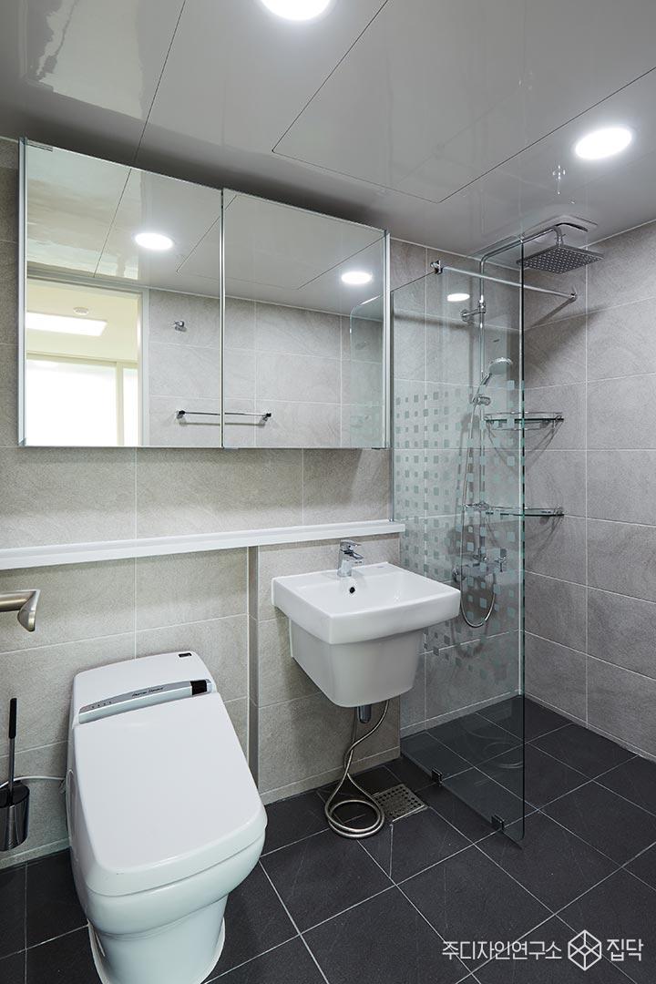 욕실,젠다이,샤워부스,화이트,바닥타일