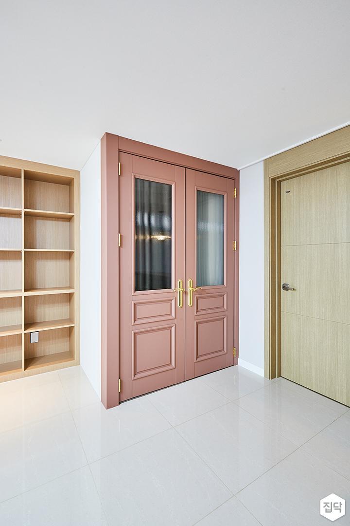 화이트,핑크,거실,중문,현관,클래식