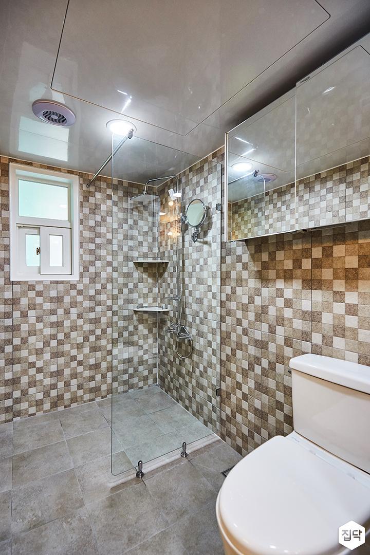 그레이,브라운,욕실,패턴타일,유리파티션,슬라이딩유리수납장,코너선반