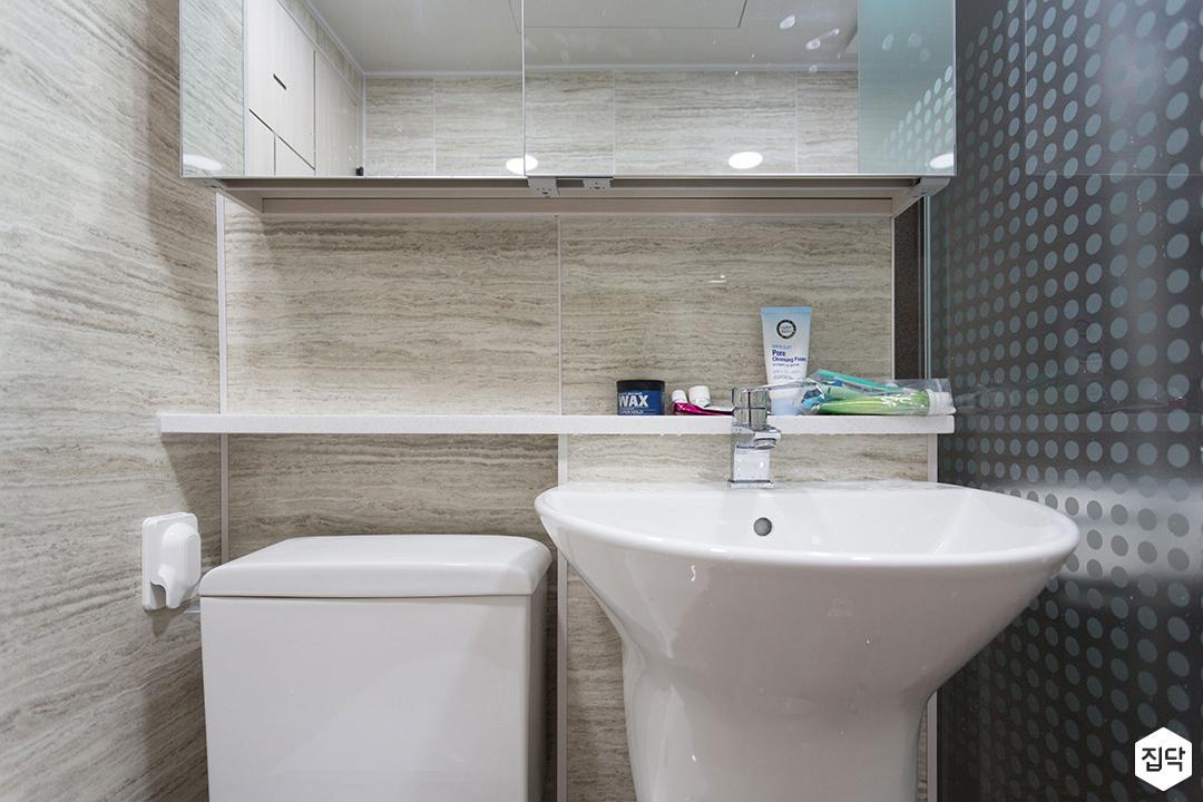 화이트,심플,내츄럴,매입등,수납거울,슬라이딩거울,유리파티션,포세린타일,폴리싱타일,세면대,젠다이,욕실