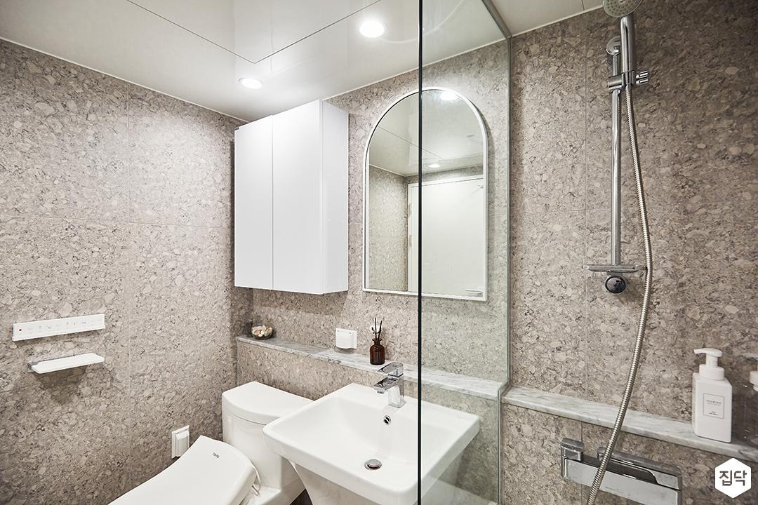 그레이,심플,모던,내츄럴,다운라이트조명,거울,유리파티션,젠다이,수납장,욕조,욕실