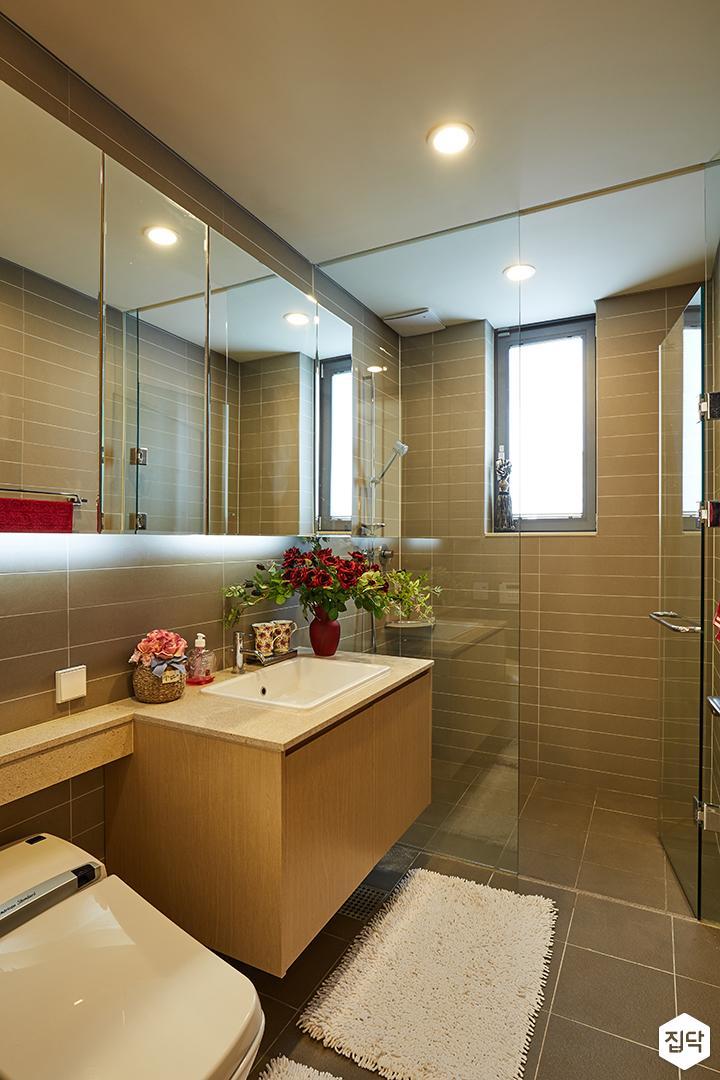 욕실,브라운,타일,모던,간접조명,샤워부스,세면대,내츄럴