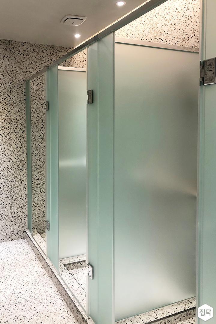 그레이,심플,샤워룸
