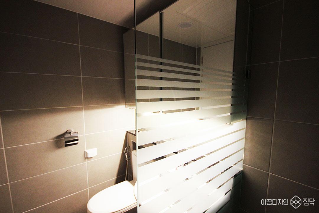 욕실,간접조명,젠다이,그레이,샤워부스