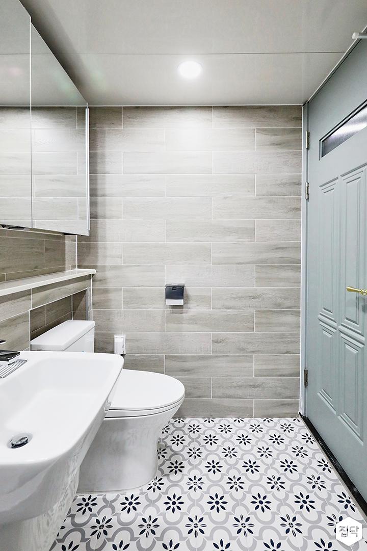 그레이,클래식,욕실,욕실조명,욕실수전,타일,패턴타일