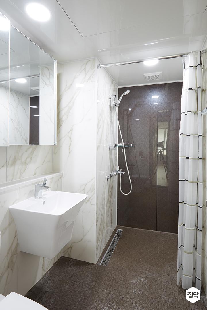 대리석,욕실,화이트,바닥타일,샤워커튼
