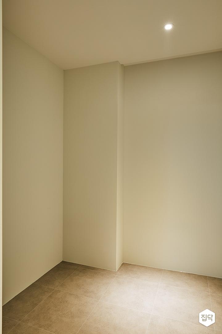 가벽,드레스룸,안방,다운라이트조명