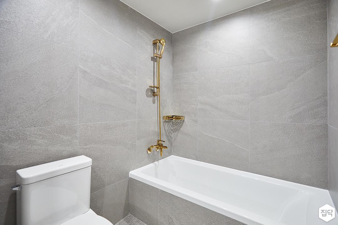 화이트,그레이,모던,심플,욕실,욕실조명,욕조,샤워기