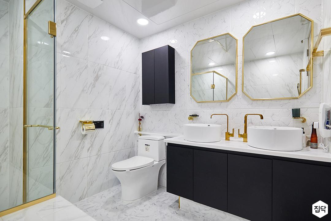 화이트,블랙,럭셔리,욕실,욕실조명,수납장,세면대,샤워파티션