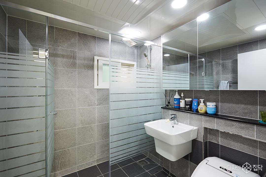 욕실,샤워부스,제다이,슬라이딩장,바닥타일