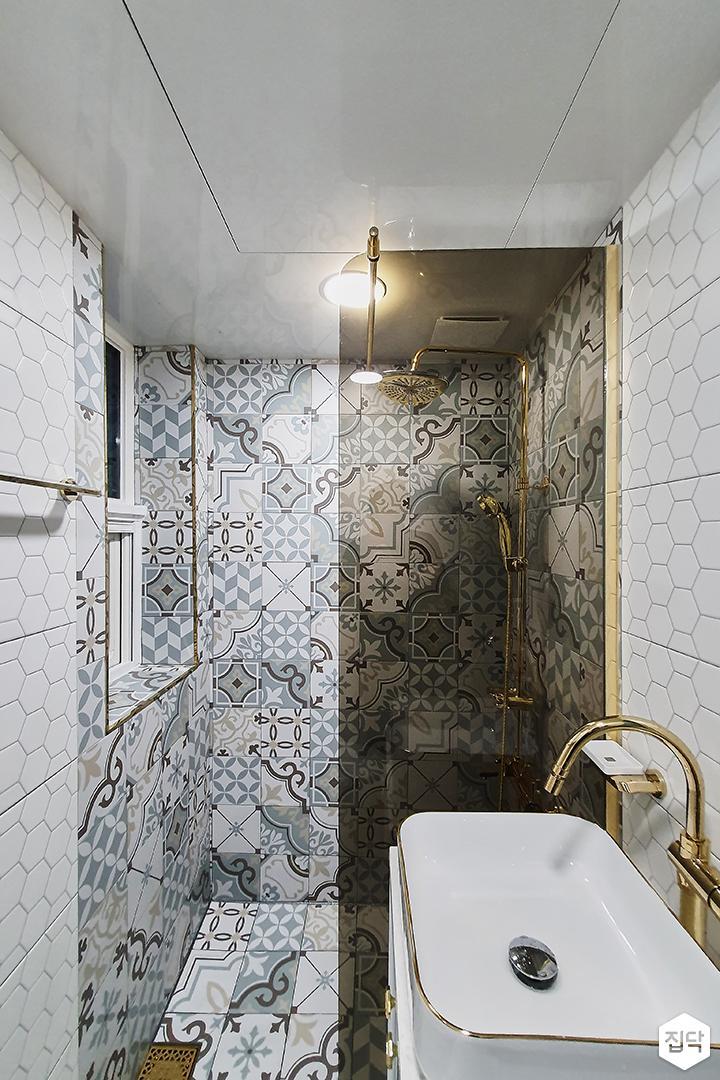 화이트,블루,클래식,욕실,조명,세면대