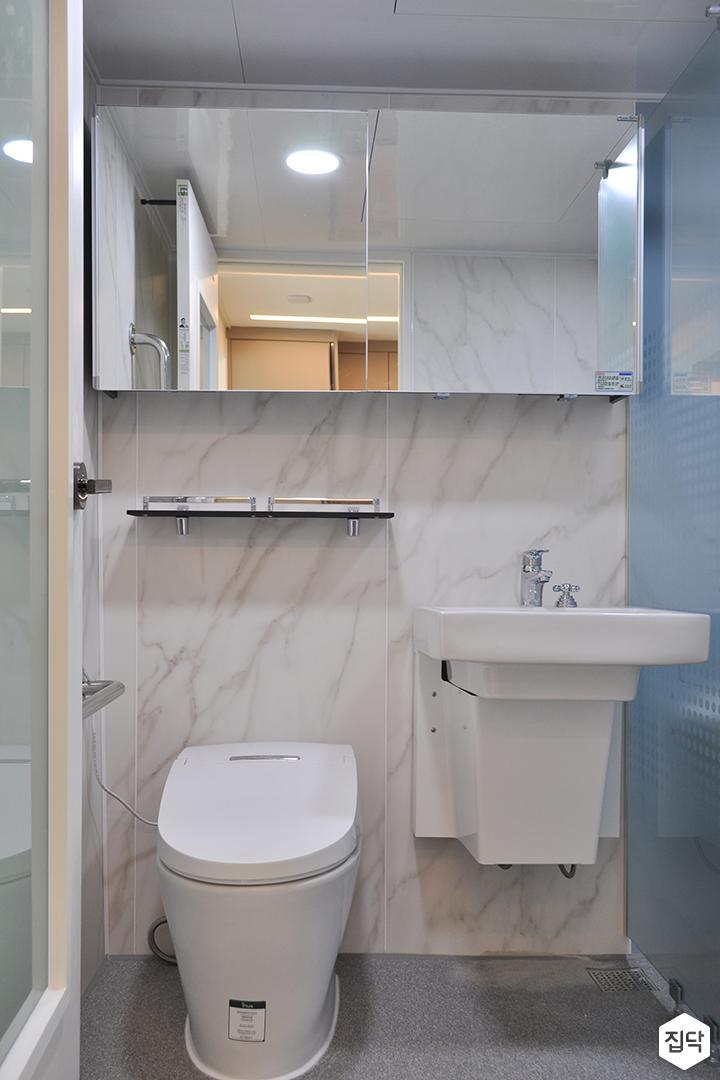 화이트,모던,욕실,포세린,매립등,비앙코카라라,수납장,선반,세면대,거울